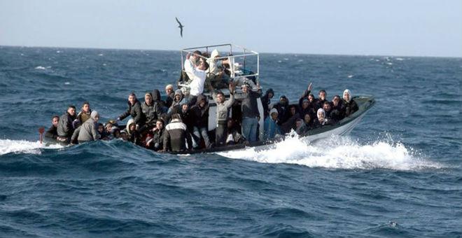 مصرع 12 مهاجرا قبالة سواحل ليبيا كانوا متوجهين إلى إيطاليا