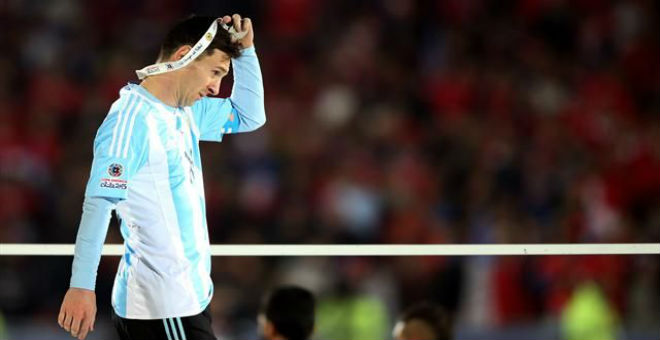 ميسي يفكر في اعتزال اللعب مع الأرجنتين !