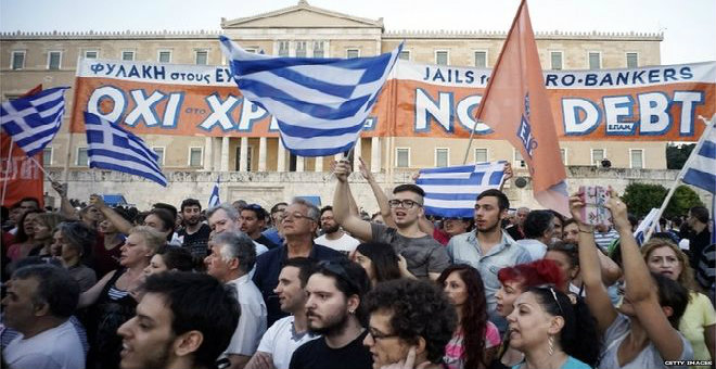 استفتاء اليونان يضع البلاد في مفترق طرق الأزمة