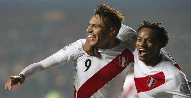 البيرو يفوز على الباراغواي في مباراة الترتيب
