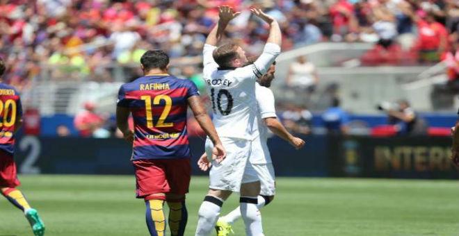 مانشستر يونايتد يسحق برشلونة بثلاثية قاسية