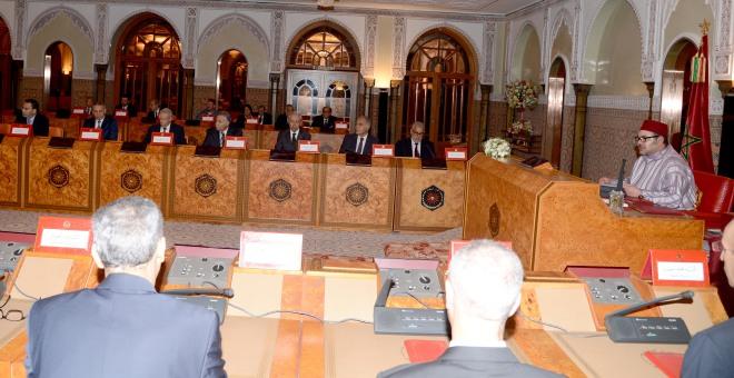 الملك محمد السادس يترأس مجلسا للوزراء في الدار البيضاء