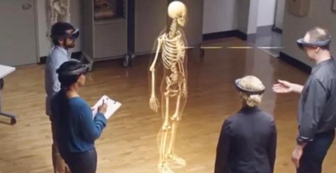 بالفيديو.. لن تصدق كيف سيدرس الطلاب الطب في المستقبل