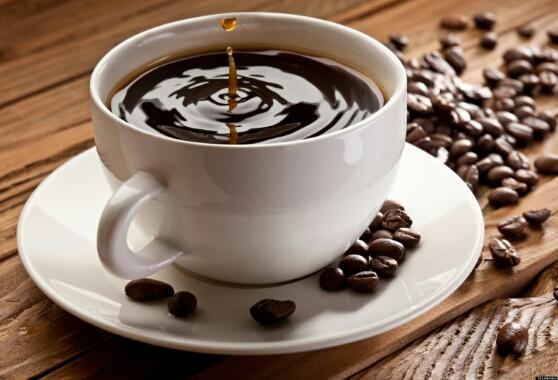لهذا ينبغي أن تتجنب القهوة خلال فصل الصيف