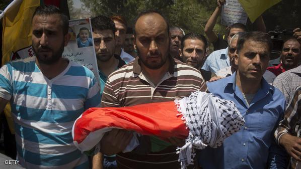 وفاة والد الرضيع الفلسطيني الذي قضى حرقا على يد اسرائيليين