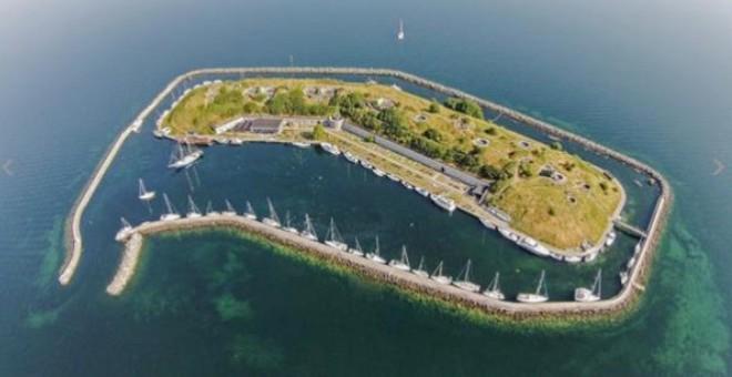 جزيرة خاصة معروضة للبيع بـ 9 ملايين دولار