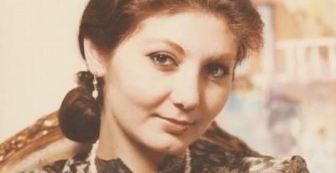 محمود درويش ورنا قباني.. زواج من أول لقاء