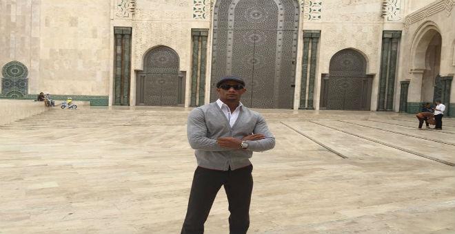 بالصور..محمد رمضان يزور مسجد الحسن الثاني