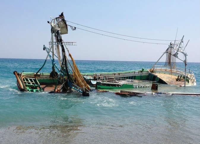 الداخلة. فقدان 12 بحارا خلال غرق مركب للصيد