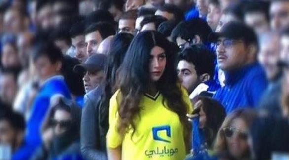 سعودي يطلق زوجته بعدما شاهدها تحضر كأس السوبر في لندن!