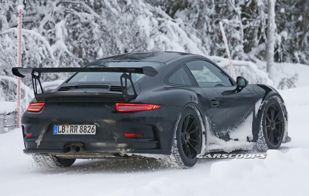 2016-Porsche-911-GT3-RS-4