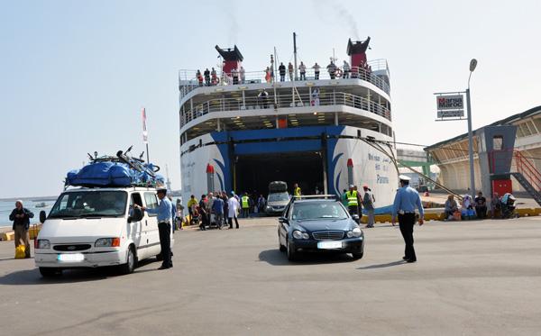 أزيد من نصف مليون مهاجر مغربي دخلوا البلاد عبر ميناء طنجة