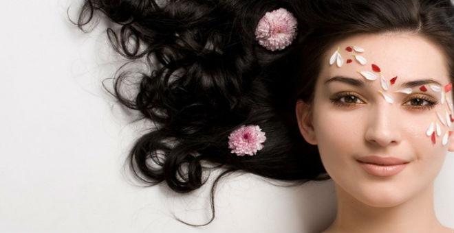 6 وصفات منزلية سهلة لجمال بشرتك وشعرك!!