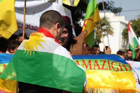 اعتقال شخصين رفعا العالمين الكردي والأمازيغي بجامع الفنا بمراكش