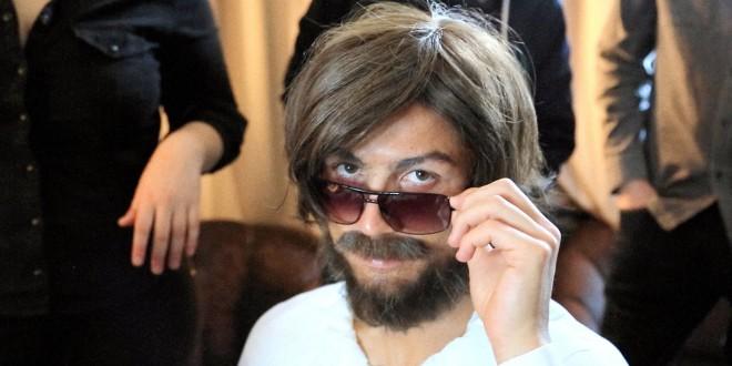 """رونالدو ينجح في تأدية دور """"المتشرّد"""""""