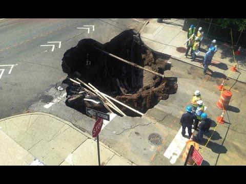 فجوة عملاقة تبتلع شارعاً في نيويورك