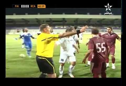 عراك بين لاعبي الرجاء والفيصلي السعودي