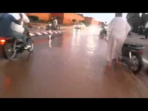 هكذا يعيش المراكشيون مع الأمطار الغريزة