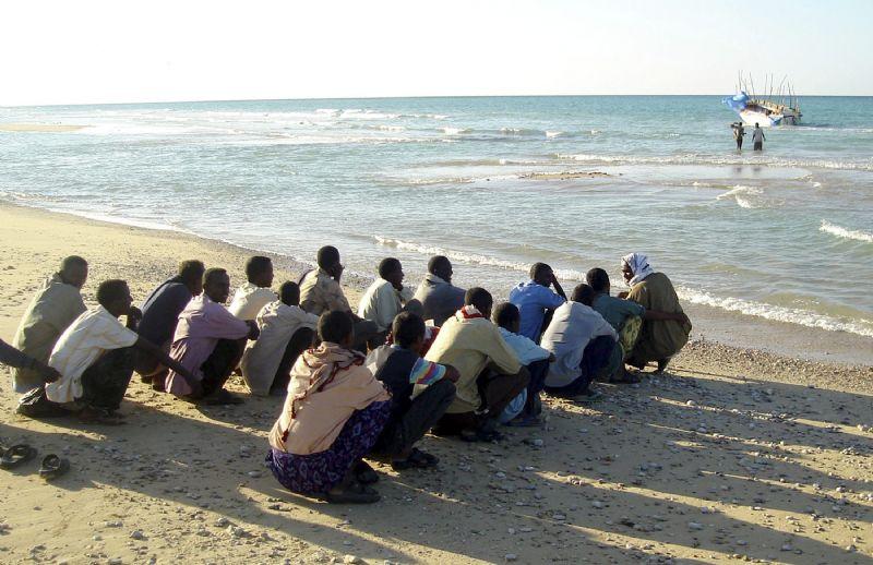 طنجة. البحرية المغربية تنقذ 18 مهاجرا سريا