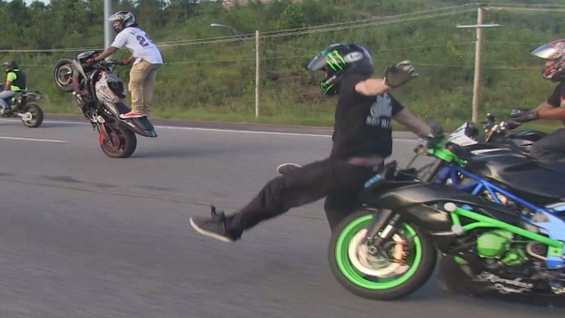 هكذا انتهى استعراض مهاري على دراجة نارية