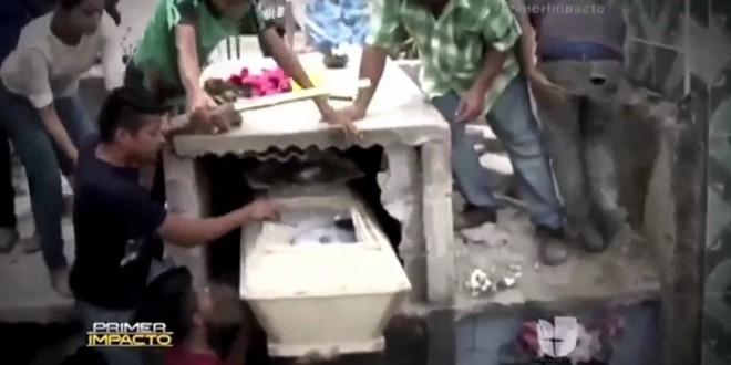 فتاة تستيقظ من الموت بعد دفنها لتموت ثانية
