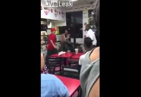 شجار عنيف بين عمال مطعم وزبنائهم