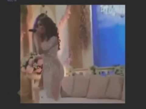 شاهد دنيا باطمة بفستان شفاف في إحدى الحفلات بالخليج