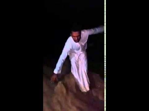 شاب يوثق لحظة جرف السيول لصديقه بالسعودية