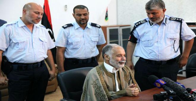 دفاع البغدادي المحمودي يقرر مقاضاة حمادي الجبالي