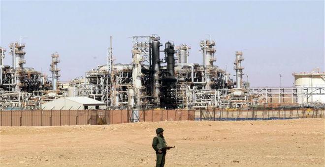 الجزائر..أزمة اقتصادية ترخي بظلالها على بلاد بمستقبل مجهول