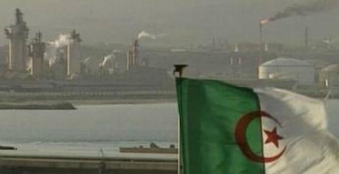 الجزائر تنظر بترقب إلى ما ستخلفه الأزمة الاقتصادية من تداعيات