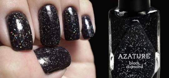 Azature_Nail_polish_most_Expensive_Wendy_Winder_Vault_magazine_43-690x317