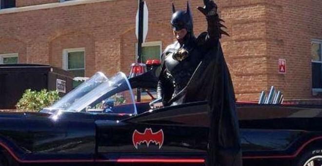 رحيل «باتمان» بحادث سيارة