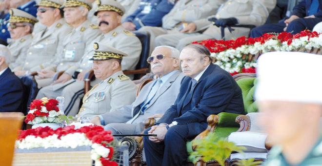 الجزائر: وزير سابق يعتبر حل المخابرات مجرد