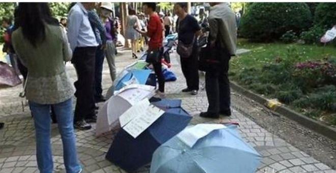 بالفيديو.. أغرب سوق للزواج في الصين