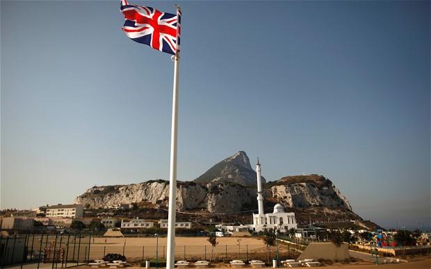 سلطات جبل طارق منزعجة من انتهاك الشرطة الإسبانية لمياهها الإقليمية
