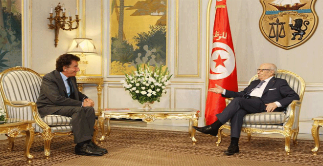 قايد السبسي يستقبل الوزير الفرنسي السابق جاك لانغ