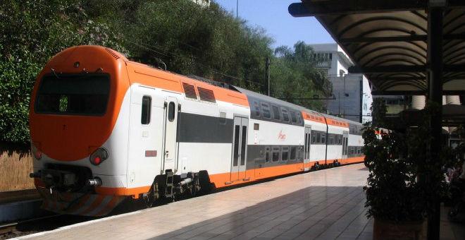 ''دخان'' بقطارات لخليع يتسبب في اختناق الركاب