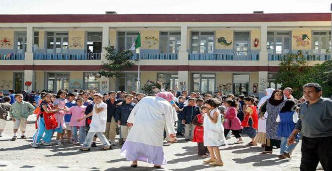 شبح الاستعمار الفرنسي يخيم على جدل التدريس في الجزائر