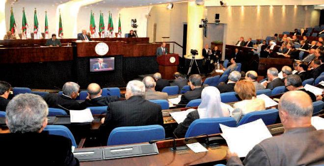 قوانين جزائرية لا تجد طريقها نحو التنفيذ والحكومة محط انتقاد