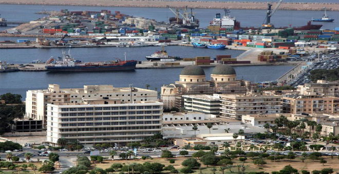 السلطات الليبية تنذر بانتشار الأمراض في بنغازي