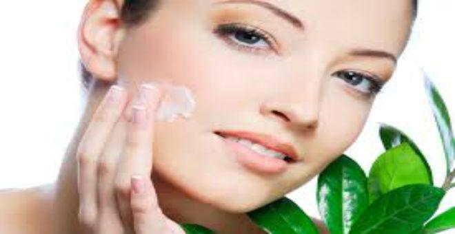 وصفة سريعة لتبييض الوجه والعنق