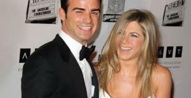 زواج جنيفر أنيستون و جاستين ثيرو في ظروف مفاجئة
