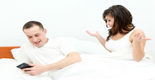 احذري ..8 تصرفات تدل على خيانة زوجك