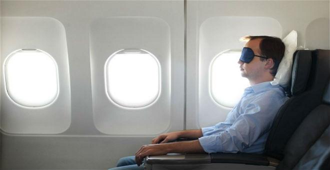 10 نصائح تساعدك على النوم خلال رحلة الطيران