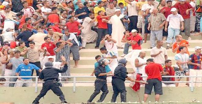 العنف في الملاعب يهدد استقرار الدوري الجزائري