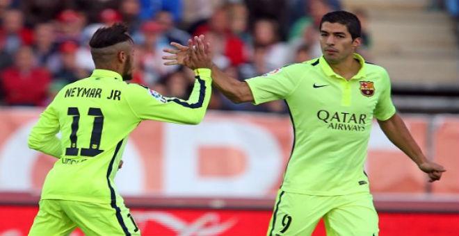 برشلونة يعلن تجديد عقد لويس سواريز