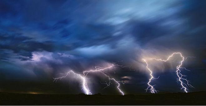 درجات الحرارة تواصل ارتفاعها وعواصف رعدية تضرب الجنوب