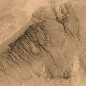 اخاديد-المريخ