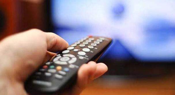 المغربي-يقضي-ثلاث-ساعات-أمام-التلفاز_medium